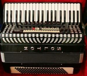 Solton Accordion/Accordeon/Midi\