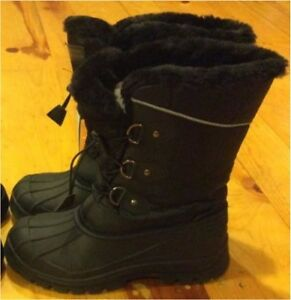 Brand new winter boots; youth size 4 (35Eur/3UK)