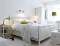 Lit double blanc hemnes Ikea et tables de chevet