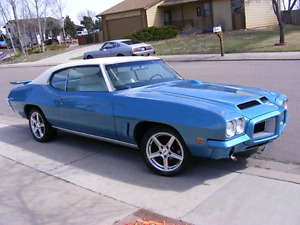Looking for a 1972 gto hood and rear wing