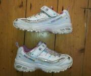 Girls White Shoes Size 1