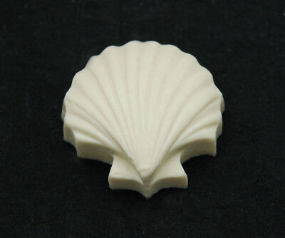 2D Clam, Silicone Mold Chocolate Polymer Clay Jewelry Soap MeltingWax Resin