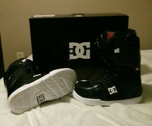 2016 DC Snowboard Boots - Size 9