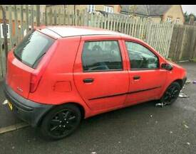 Fiat Punto 2002 1.2 5 Door Red Mot October 17