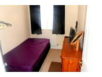 Single Room Available in Stunning Three Bedroom House Share All Bills Included
