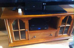 MAGNIFIQUE Meuble télé en bois style antique neuf ! Gatineau Ottawa / Gatineau Area image 2