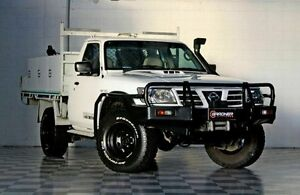 2005 Nissan Patrol Y6105A ST White 5 Speed Manual Utility Burleigh Heads Gold Coast South Preview