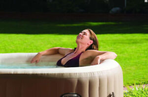 Spoil yourself! Lakeside Getaway Hot Tub Chalet Townships OwlsHd