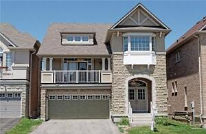 Detached double-garage house in Jefferson - Richmond Hill