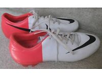 NIKE FOOTBALL BOOTS - SIZE 3