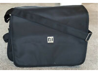 New Ryco deluxe messenger changing bag