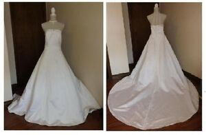 Strapless David's Bridals Wedding Gown with tags, brand new