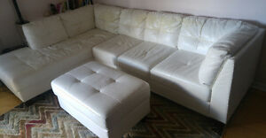 Super confortable left facing leather sectional sofa