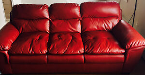 AMAZING RED LEATHER MODERN 3 PLACE SOFA
