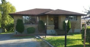 Beautiful 3 bdrm Family Home with Inlaw Suite in Prime Area PA!