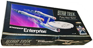 Star Trek - Starship Enterprise - Flying Model Rocket 1991 25th