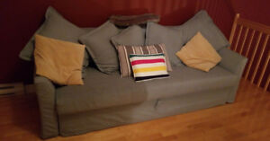 Convertible couch for sale!! (negociable)