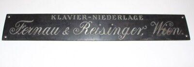 Antique Shield Klavierbauer Piano Klavier-Niederlage Fernau Reisinger Vienna