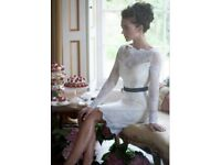 Size 10 Informal Bateau Neck Column Lace Pattern Wedding Dress with Black Ribbon