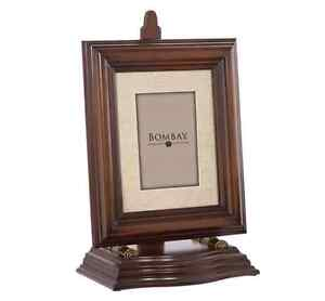 Bombay Middlefield Frame with Easel