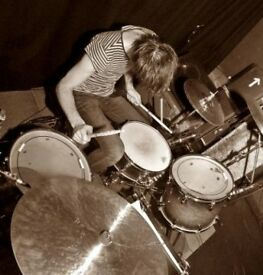 drummer available (wipers, dinosaur jr, talking heads etc)