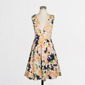 NEW WITH TAGS - J Crew Sateen V-neck dress in floral - Size XS