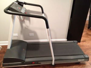 Precor 9.25i treadmill with heart rate monitor