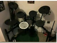 Roland TD-4K electronic drum kit (with kick pedal)