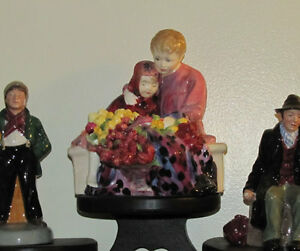 Royal Doulton figure The Flower Seller's Children