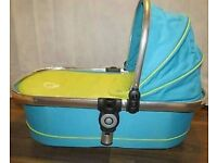 icandy Peach carrycot main Sweetpea with perfect condition