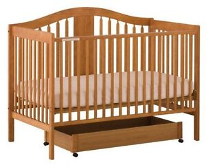 Storkcraft Chelsea Crib and matching change table