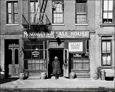 McSorley's Old Ale House 8X10 Photo - New York 1944 Beer
