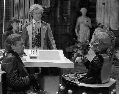 Colin Baker, William Gaunt & Nicola Bryant UNSIGNED photo - H8065 - Doctor Who