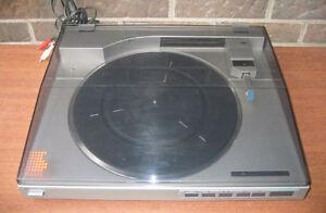 Vintage Sony PS - LX510 Linear Tracking, Quartz lock Turntable