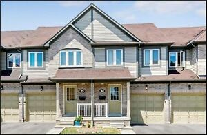 Must See Townhome in STREETSVILLE//MISSISSAUGA