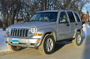 Jeep Liberty Limited 2005 4X4 Silver new tires. Reduced price!