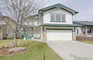 Great Family Home Close to amenities in Okotoks