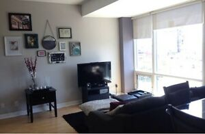 BEAUTIFUL 2 BEDROOM, 2 BATH - LAKESHORE AND BATHURST