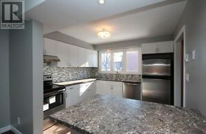 Student to Share Central - Gorgeous Townhouse Rent all inclusive