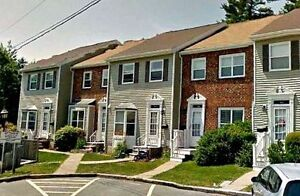 NEW PRICE! BEAUTIFUL CONDO TOWNHOUSE IN THE HEART OF BEDFORD
