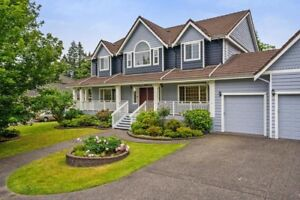Beautifully Maintained Home W/ High-End Finishings!