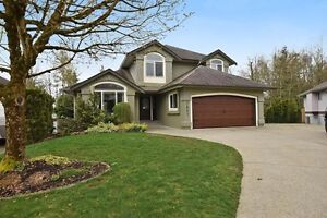 (VIRTUAL TOUR) Stunning Two Storey With Basement!