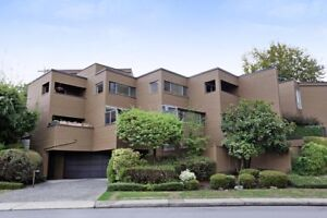 Very Private And Quiet Townhome!