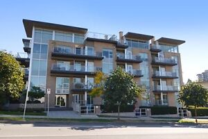 (VIRTUAL TOUR) Stunning 2 Level Townhome!