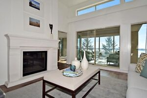 (VIRTUAL TOUR) Completely Renovated Townhome! North Shore Greater Vancouver Area image 2