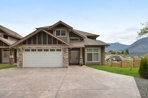 (VIRTUAL TOUR) Fantastic Home On Promontory!