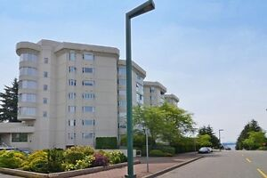 (VIRTUAL TOUR) Renovated Condo With Outdoor Sundeck!
