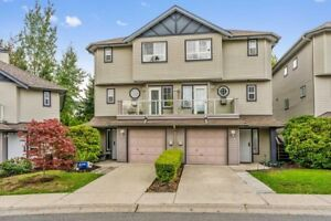 Beautiful Townhome With Great Backyard!
