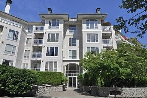 Beautifully Renovated 2 bed/2 bath North Vancouver Condo!
