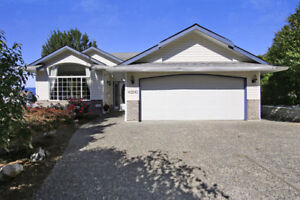 Move In Ready Family Home!